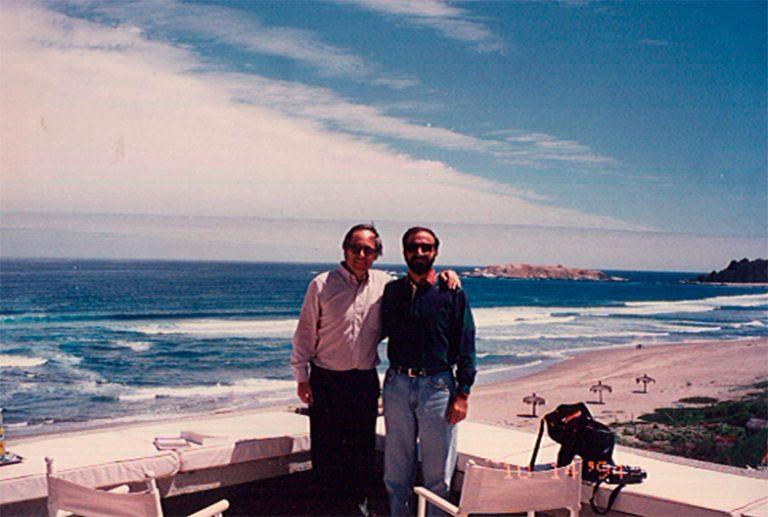 José Piñera, Ministro de Trabajo y Previsión Social (1978-1980) y Ministro de Minería (1980-1981) en Chile, responsable de las reformas laboral, previsional y minera de Chile, y Andrés Dauhajre hijo, 14 de octubre de 1994, en Chile.