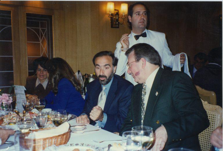 Andrés Dauhajre hijo, Director Ejecutivo de la Fundación Economía y Desarrollo, Inc. y Eduardo Selman, Secretario Técnico de la Presidencia, durante las reuniones de la Asamblea Anual de Gobernadores del BID, Barcelona, 1997.